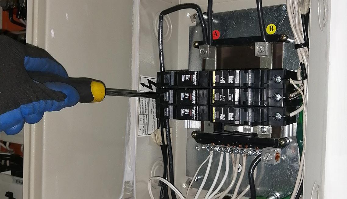 05-mantenimiento-tableros-electricos