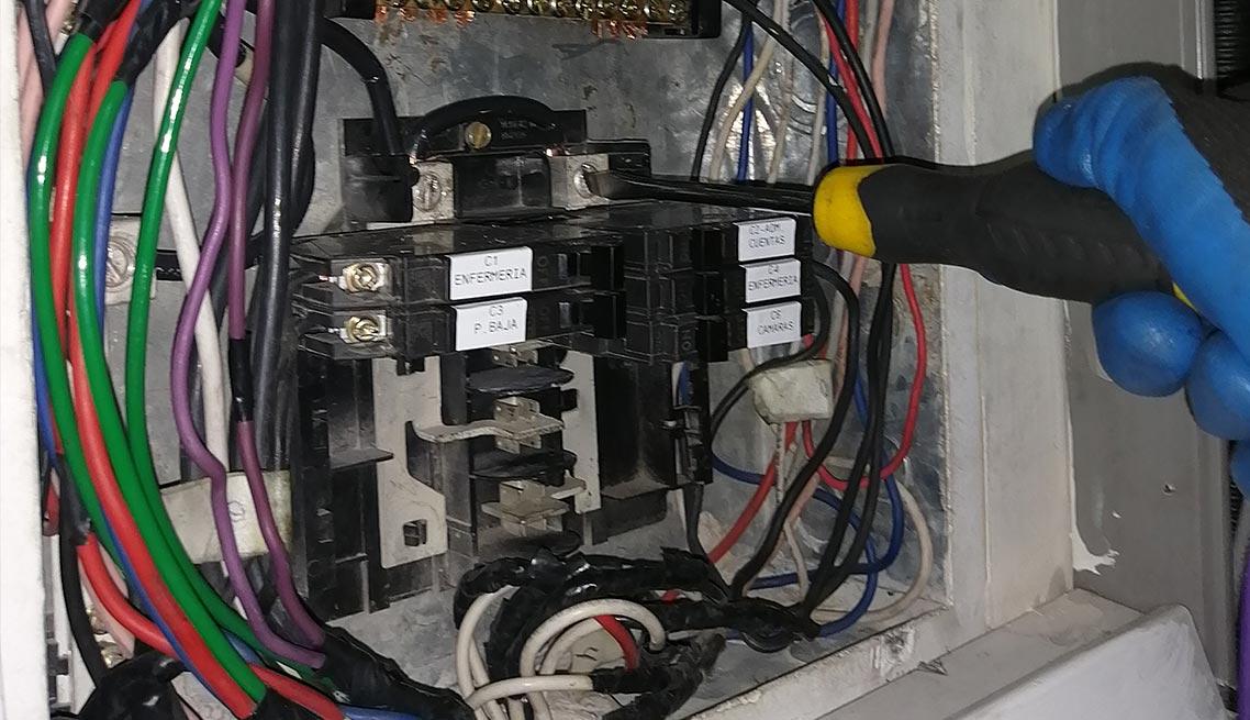 06-mantenimiento-tableros-electricos
